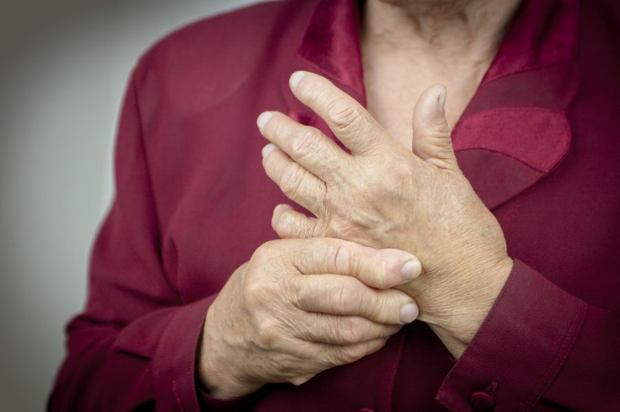 Stadienbezogene operative Therapie der Rheumahand